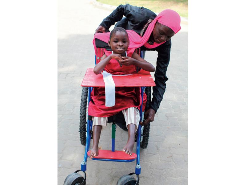ケニアの子どもたちに車椅子を贈ろうキャンペーン
