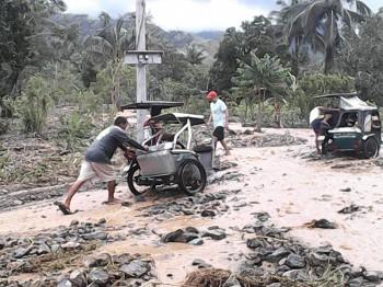 フィリピン台風被害の復興支援を開始します。 <br />年内1,000ドル(約12万3,000円)の寄付を目標
