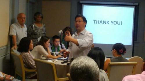 香港のフェアトレード普及状況について報告するアントニー・チウ氏