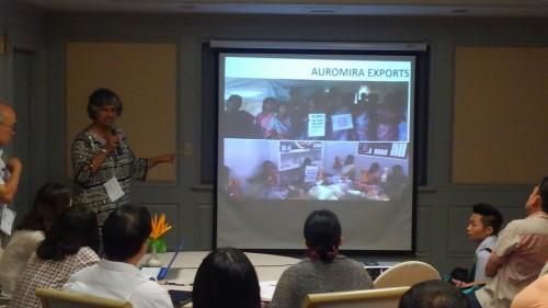 インドでのフェアトレード啓発活動の盛り上がりを報告するアンジャリ・シアヴィナ氏